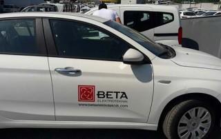 araç kapısına firma logosu